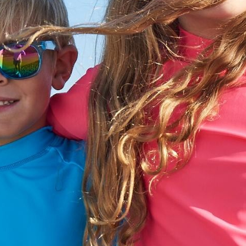 I see a fun weekend ahead and smart kids protecting their eyesight from ultraviolet sun rays. Buy a long sleeve rash guard top and get a pair of FREE Sunglasses. . . Our stylish pink and blue sunglasses are designed to block sunlight, glare, and reflection from water and sand. They will protect your kids' eyesight from the UV rays in total style. . . #kidssunglasses #eyeprotection #uvsunglasses #SunPopLife #longlastingsunprotection #Chemicalfree #UPF50rated #ecofriendly #hybridswimwear that block 99.8% of #UVsunrays #kidsrashguards #kidsleggings #uvprotection #Americanmade #betterthansunblock #sunscreenalternative #sunburnprevention #kidsathleisurewear #kidshappiness #kidssports #familyactivities