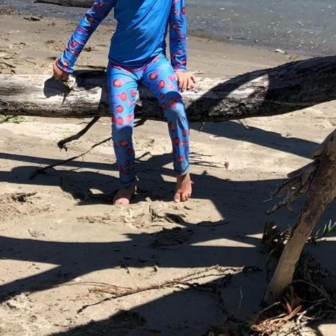 Wiggle your toes all day long without a sunscreen disruption! Opt for sun protective clothing instead. Our sun protective material blocks 99.8% of both UVA and UVB rays. Outdoor family Summer fun, here we go!   All 2-pc Rash Guard Sets are 40% OFF throughout the month of August. Use code AUGUST at check out. Reclaim outdoor freedom and stop sunscreen battles chasing after your kids to apply sunscreen.  Photo: Thank you @aleeshsb for the great picture!  #sunpoplife #upf50 #sunprotection #kids want to wear #bestsunwear #Rashguardsets #UVprotectionarmor #lightwetsuit #wiggleyourtoesday #wiggle #playingoutside #familyfun #suncare #activelifestyle #capsuledressing #kidssunprotectivelayering #coralreeffriendly #moisturewicking #fununderthesun #easycare #kidsbeachwear #summersunsafetymonth #stopsunscreenbattles