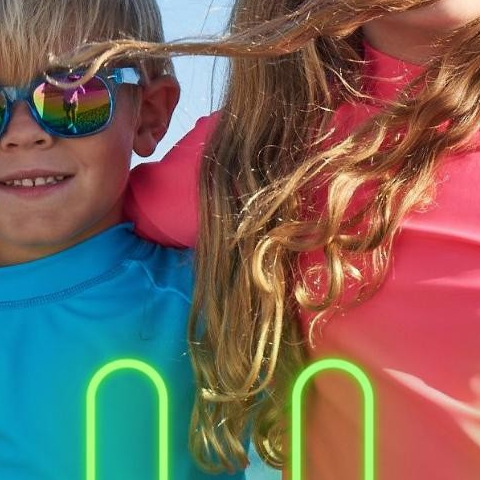 These iconic sunglasses for kids will protect your children's eyesight from the sun in total style. Because children are under the sun much more than adults, their eyes are more sensitive and UV damage is cumulative. Let's start protecting our children's eyes from an early age.   With school about to start, make sure your kids are getting their eye exams!   #productspotlight #kidssunglasses #wayfarer #sunpoplife #UV400protection #kidseyefashion #girlsunglasses #boyssunglasses #kidsactivegear #suncare #eyehealth #activelifestyle #fununderthesun #safesunfun #playingoutside #childrenseyehealthmonth #summersunsafetymonth