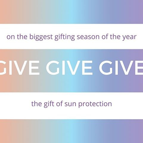 On the biggest gifting season of the year sale, enjoy a 40% discount on all 2pc rash guards sets, rash guards and leggings. Prices already reflect 40% discount. Offer may not be combined with any other sale, promotion, discount, code, coupon and/or offer. Free shipping within USA for orders of US$90 and up. Sales taxes apply. Discount valid until December 26, 2017. #Shopwise #kidssunprotectiveclothing #giftingseason