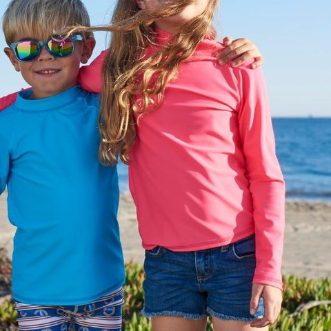 Did you know? It's National Free Shipping Day! Give the gift of sun protection and enjoy free shipping with your order! Use code FREESHIP  Tip: Hats, shades, and rash guards are key to ultimate protection. #sunpoplife #nationalfreeshippingday #ordertoday #freeshipping #orderonline #kidssunprotection #kidsrashguards #brightcolorrashguards #kidseverydaywear #kidsathleisurewear #kidshappiness #christmasgifts #giftseason #givethegiftofsunprotection #kidssunhats #kidssunglasses #protectyoureyes #teachthemearly #goodhabits #december