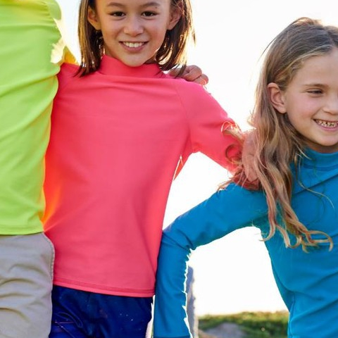 Island life for the holidays? We've got you covered! Check out our new collection full of bright and colorful kids rash guards.  #sunpoplife #kidssunprotection #kidsrashguards #brightcolorrashguards #kidseverydaywear #kidsathleisurewear #kidshappiness #christmasgifts #giftseason #givethegiftofsunprotection #windandwaves #islandlife #islandvacation #brightcolors #blue #pink #yellow #teachthemearly #goodhabits #december
