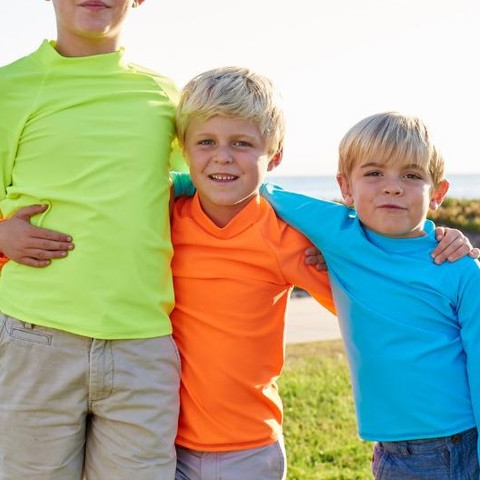 Happy Three Kings Day! Feliz Dia de Los Reyes!  #sunpoplife #kidssunprotection #kidsrashguards #brightcolorrashguards #kidseverydaywear #kidsathleisurewear #kidshappiness #kidssports #familyactivities #givethegiftofsunprotection #teachthemearly #goodhabits #mixandmatch #kidfashion #january #2019 #3kingsday #proteccionsolar #sol #ropaupf #aventuradeniños #ropaconproteccionsolar #protejetupiel #diadelosreyes
