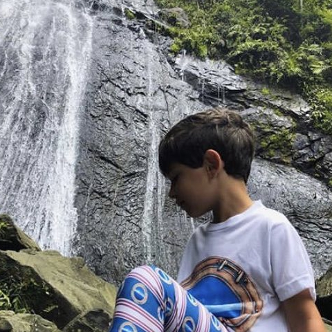 Nov 18 Funday Sunday Family Adventure! Thank you @claudia_mendozaab 📸 @beautyandsoul_photo  #sunpoplife #kidsessentials #boysupfclothing #swimsuitsforboys #boysactivewear #kidshybridclothes #uvleggings #graphictshirtsforboys  #boysleggings #protecttheirskin #familyadventures #fundaysunday #modernmariner #photography #horizon #denim #redstripes #safeinthesun #besunsmart #sunsafety #elyunquepuertorico #cascada #protejelapieldetusniños #outdoorfreedom