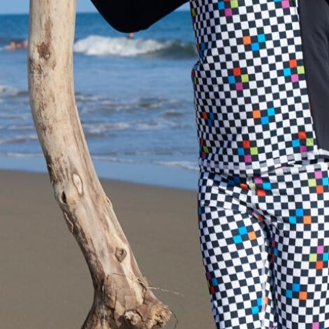 "Today is the birthday of the great Bob Marley! Remember, ""Don't worry about a thing 'Cause every little thing gonna be alright."" How do you relax with the people you love most!  Checkerboard long sleeve rash guard and hybrid leggings . . .  #sunpoplife #BobMarley #Birthday #Love #February #happyplace #stressfreesunprotection #ecorashguards #rashguardkids #hybridswimwear #longsleeveskidswimwear #boysupfclothes #swimhybrids #smallproduction #happykids #skincancerprevention #Cancerpreventionmonth #blockuvrays #Upf50beachwear #sunprotectionforboys #upf50  #kidshealth #sunblockingleggingsforboys #sunsafety #safeinthesun #sunscreenalternative"