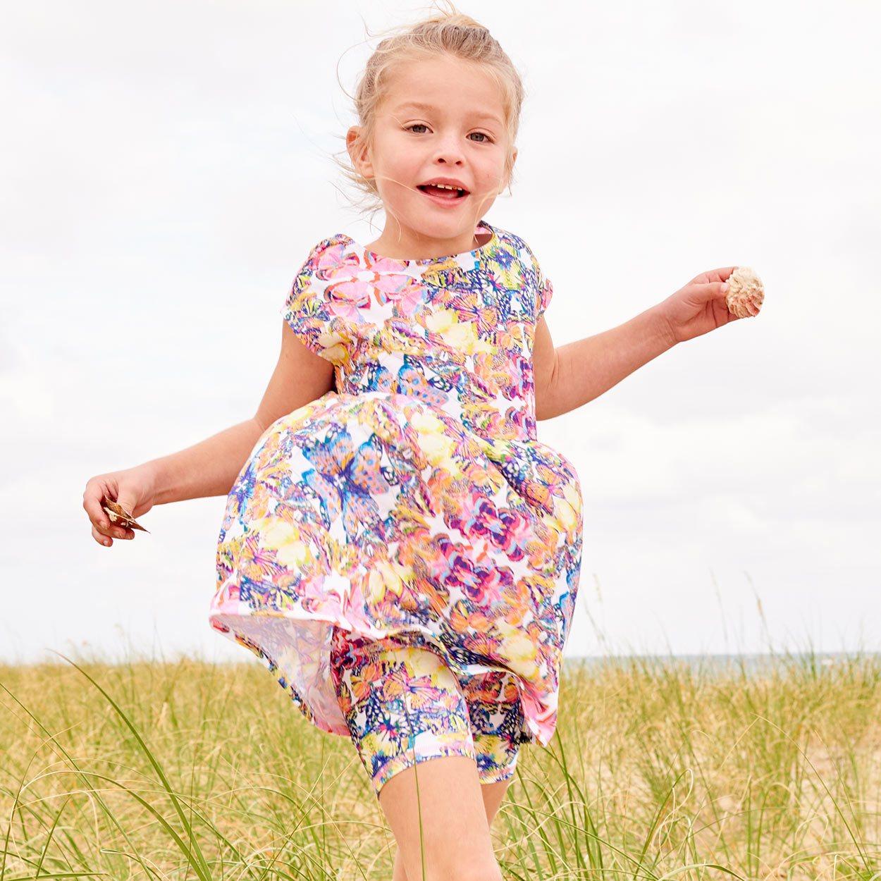 Butterflies Hybrid Shorts Upf50 Girls Size 2 12 Multicolor Opaline World Girl Running On The Beach On A Windy Day Sunpoplife